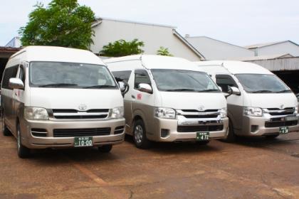 3代目カナリア号(14人乗りコミューター)のバス写真